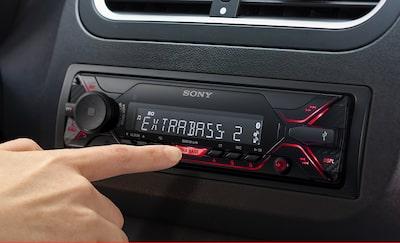 Autoradio a singolo din con doppia connessione bluetooth e lettore