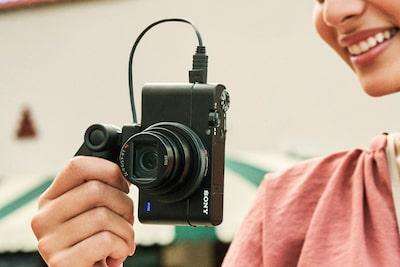 Per gli smartphone: riprese video in verticale con metadati